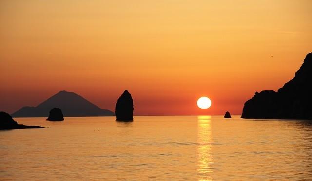 vulcano Aeolian Islands -373014_640